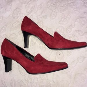 Kenneth Cole Red Suede Pumps